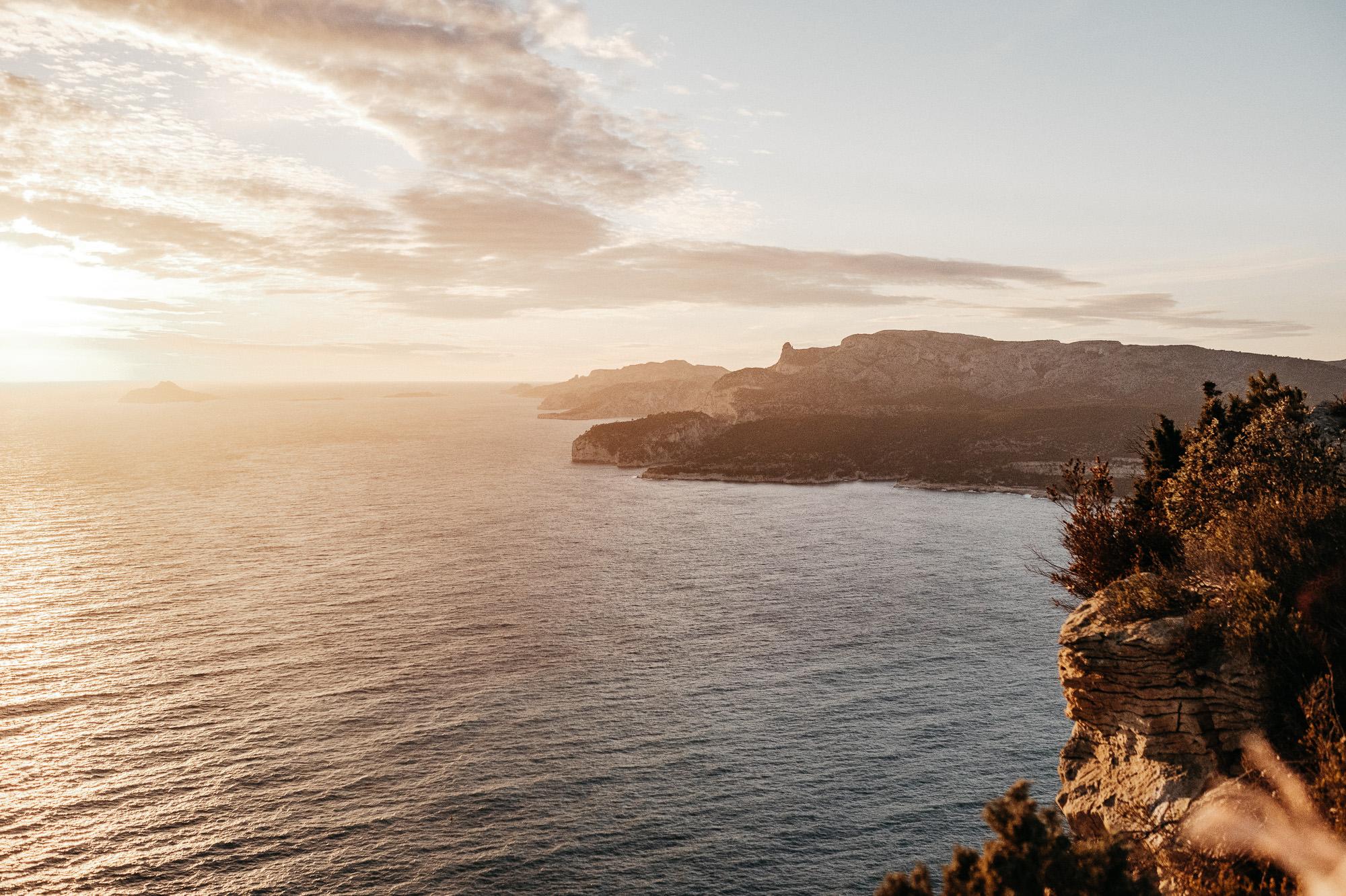 Seance couple sur la route des Cretes entre Marseille et Cassis - Warren Lecart
